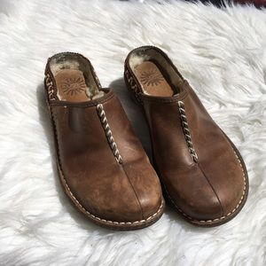 Ugg Brown Leather Clogs 8
